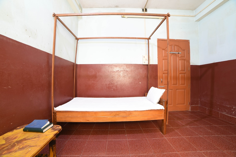 SPOT ON 61245 Hotel Nightingale