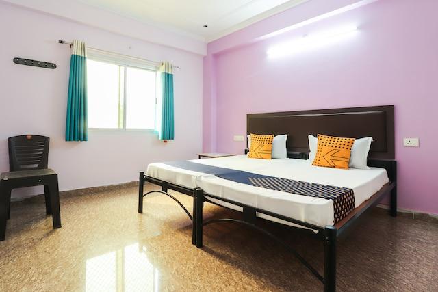 SPOT ON 61252 Gajanan Palace SPOT