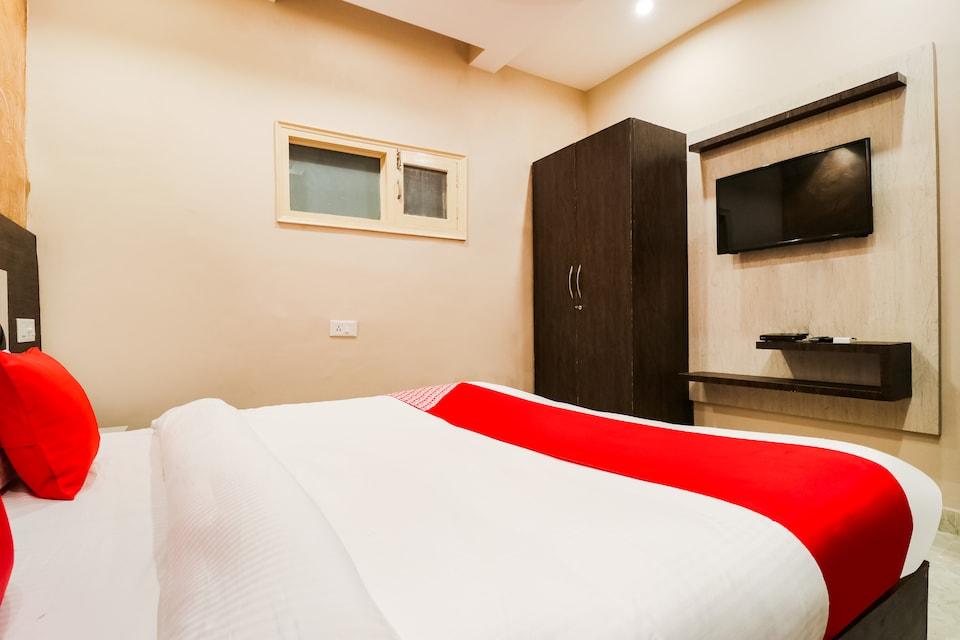 OYO 61261 Hotel Z