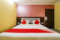 OYO 61264 Hotel Royal Orbit