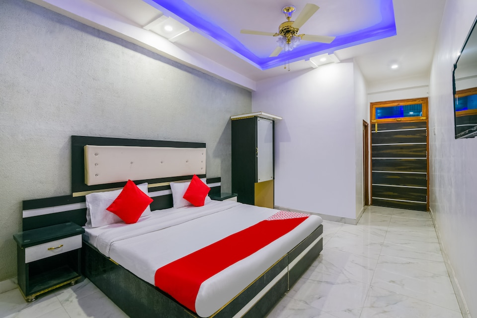 OYO 61276 G.B.Lawn & Rooms, Charbagh Lucknow, Lucknow