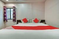 OYO 61300 Hotel Shrihari Deluxe