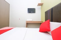 OYO 89442 24 Seven Hotel