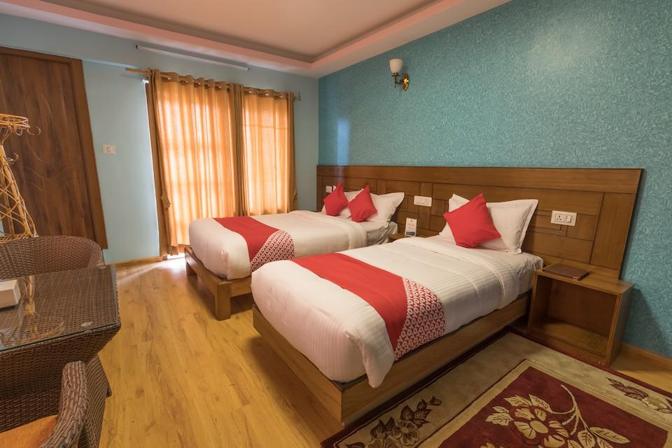 OYO 611 Hotel Everest Regency