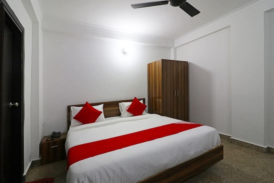 Capital O 61377 Hotel Diamond Inn