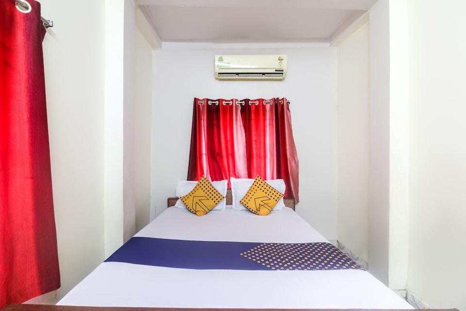SPOT ON 61404 Rashmoni Hotel
