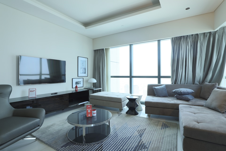 OYO 317 Home Unit No - 5406, Damac Tower By Paramount Tower B