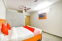 OYO 61492 Hotel Mahesh Saver