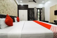 OYO 61533 Shivansh Townhouse Suite