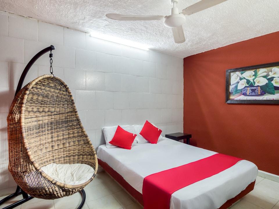 OYO Hotel Aventura