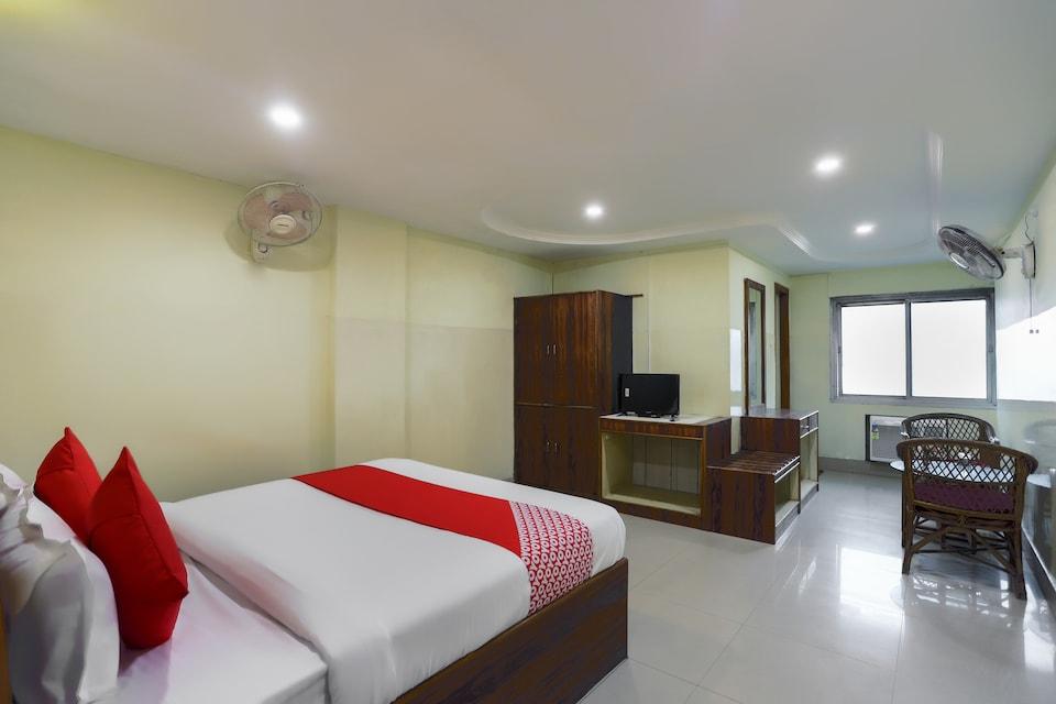 OYO 61549 Shiva Sadan Lodge