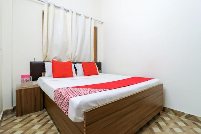 OYO 61568 Hotel Virendra