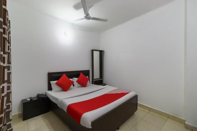 OYO 61572 Hotel New Fiza