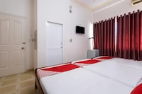 OYO 390 Hoa Cat Hotel
