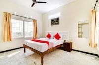OYO 61589 Aurokrupa Apartments  Deluxe