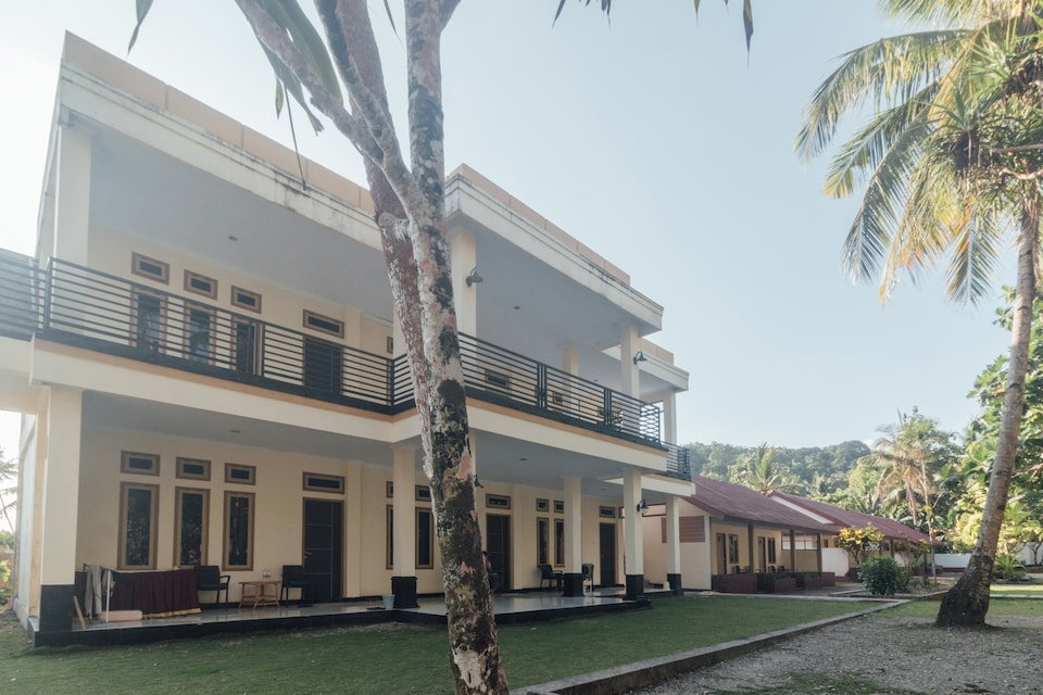 OYO 1688 Collin Beach Hotel, Latu Halat, Ambon