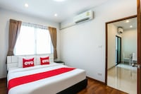 OYO 338 V-twin Donjan Service Apartment