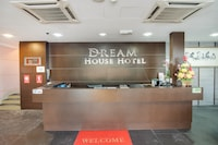 OYO 89480 Dream House Hotel