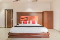 Capital O 61658 Bhatia Hotel Suite