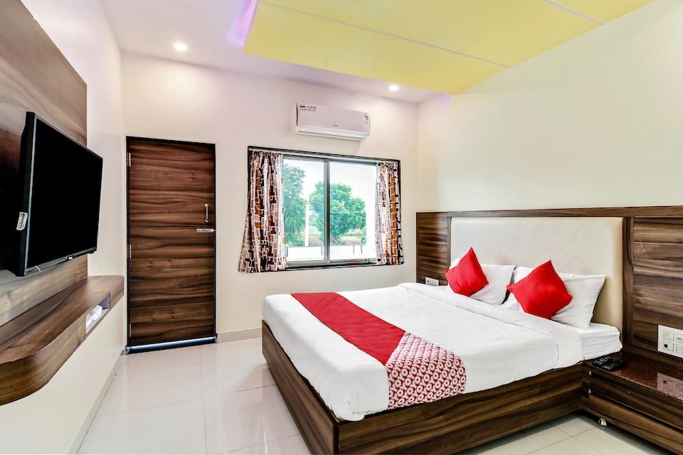 OYO 61667 Shree Bhavani Hotel & Restaurent