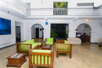 OYO 386 White Villa Tourist Guest