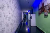 OYO 89494 Max Star Hotel