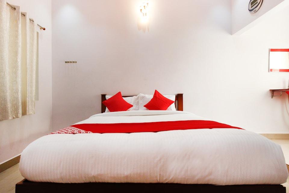 OYO 61704 Sri Kamatchi Hotel