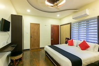 Capital O 61726 Hormuz Inn Deluxe