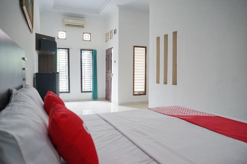 OYO 1697 Griya Dimas Guesthouse