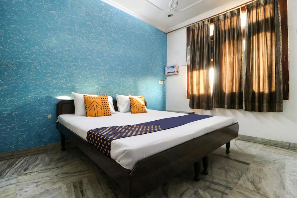 SPOT ON 61771 Hotel Rr Residency