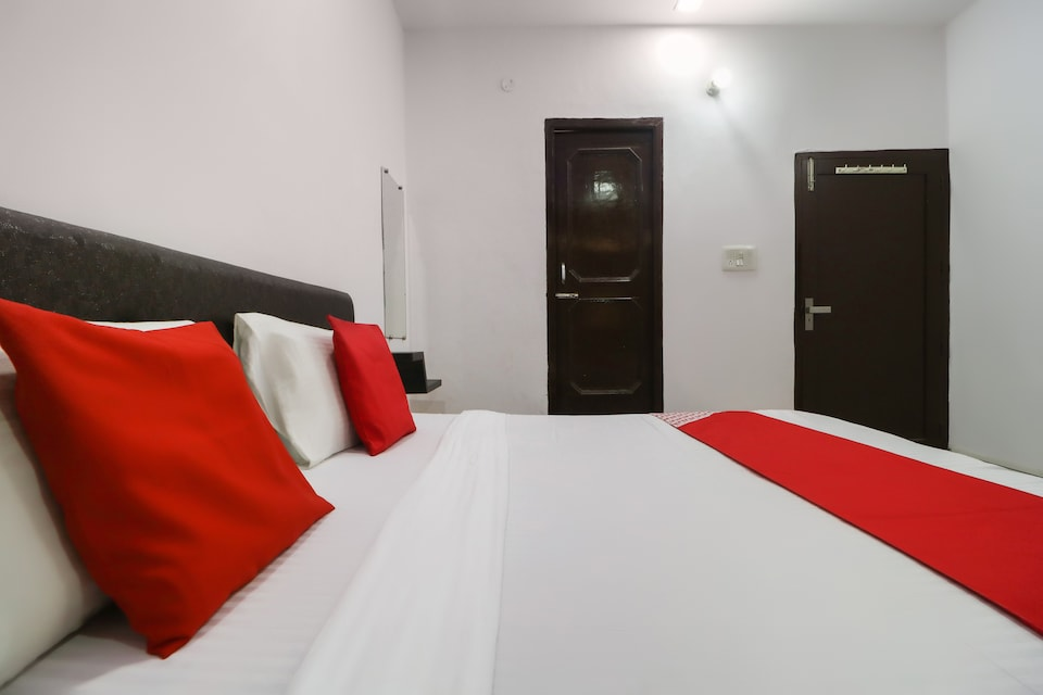 OYO 61774 Money Guest House