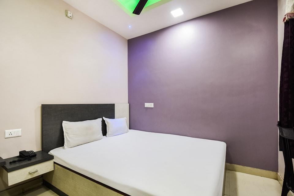 SPOT ON 61814 Hotel Hot & Hot