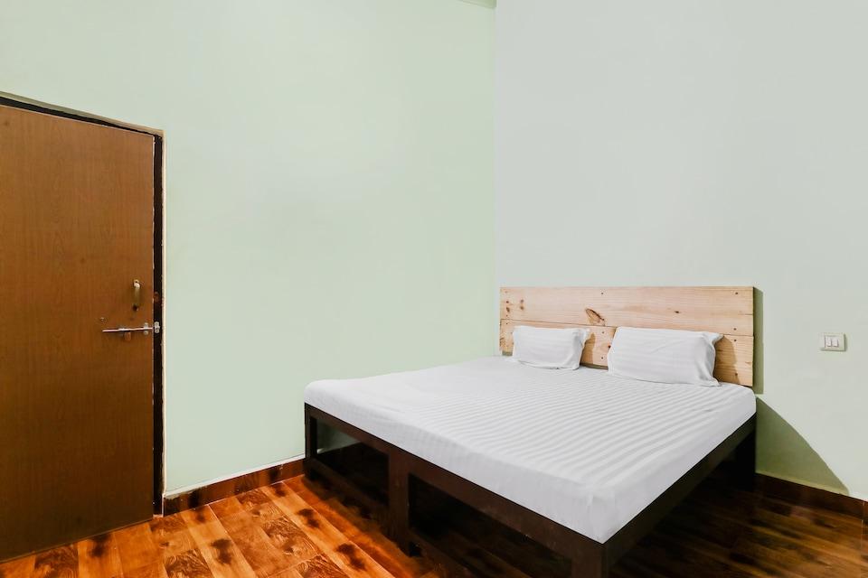 SPOT ON 61845 Sunita Guest House