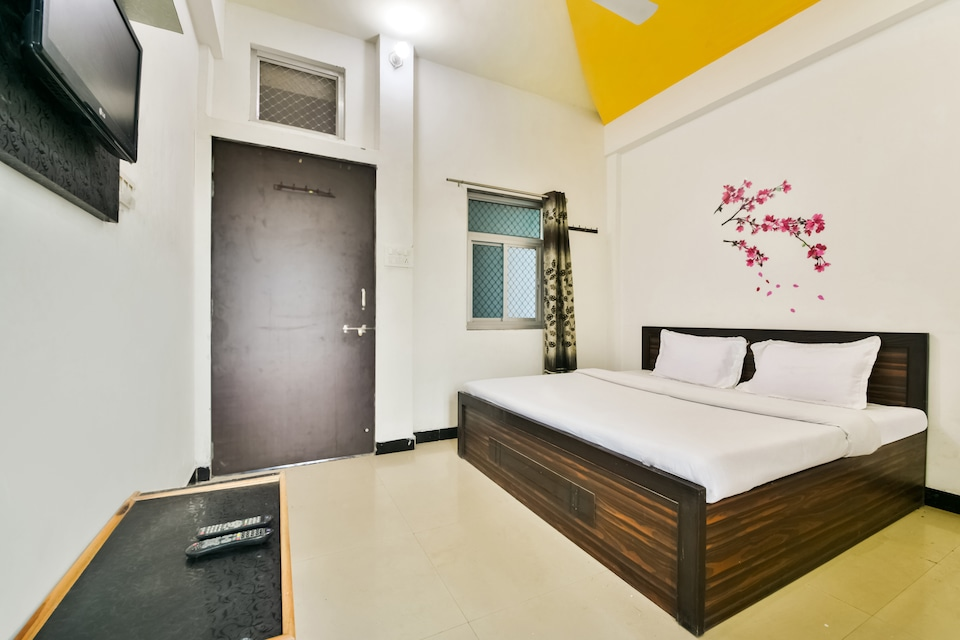 SPOT ON 61886 Sukhwal Guest House