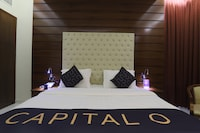 Capital O 325 Queen Palace Hotel