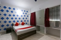 OYO 61919 Piyush Residency