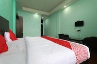 OYO 61938 The Village Hotel