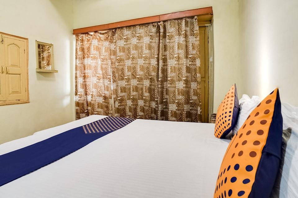 SPOT ON 61940 Aapka Ghar Hotel