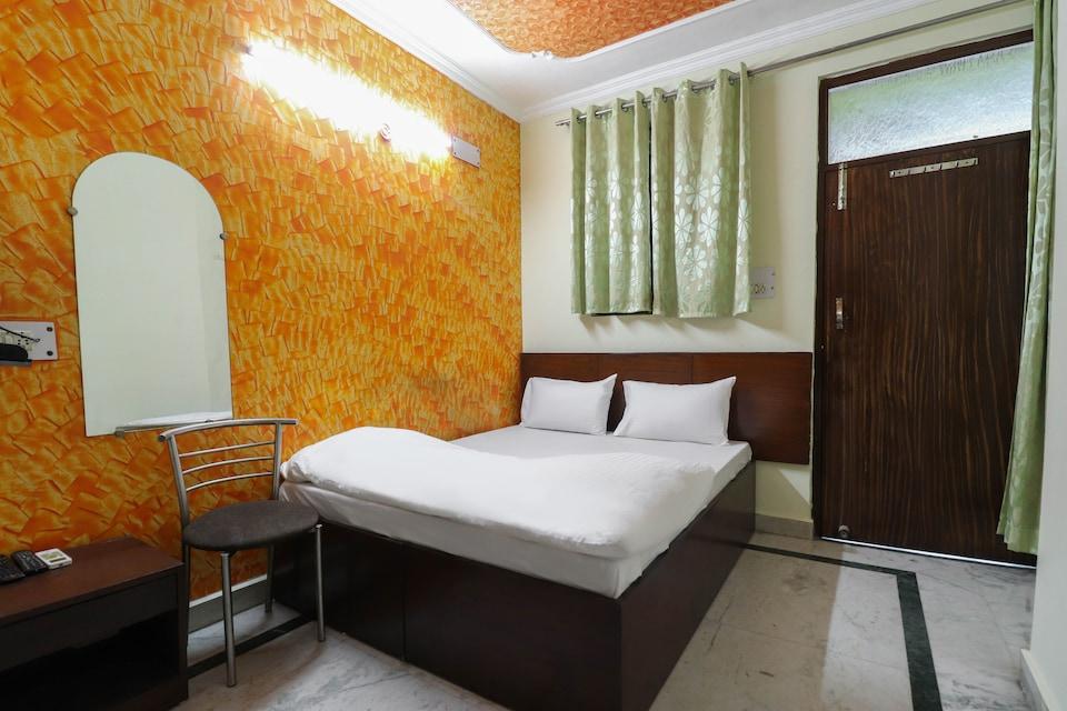 SPOT ON 61949 Hotel Aditya