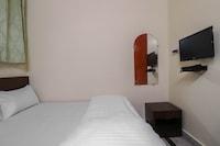 SPOT ON 61949 Hotel Aditya SPOT