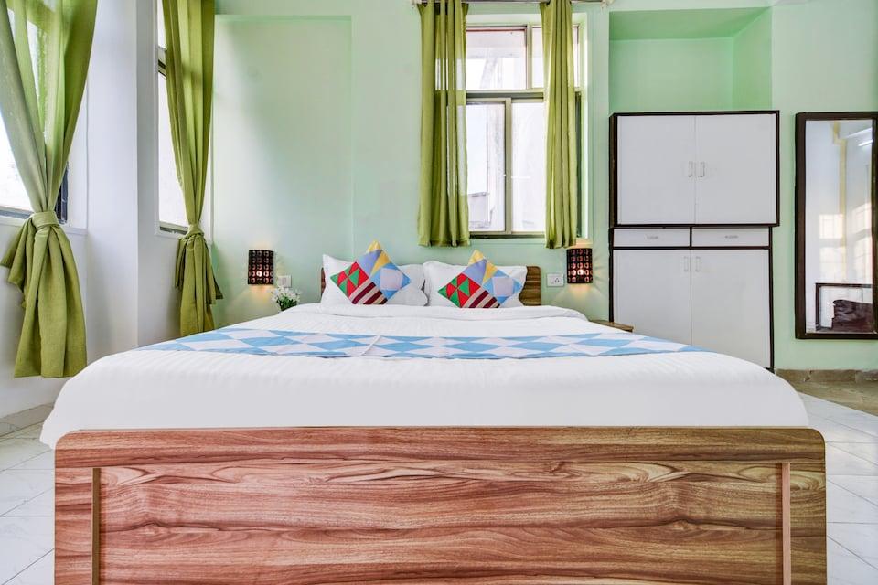 OYO Home 61986 Spacious Studios Kondhwa