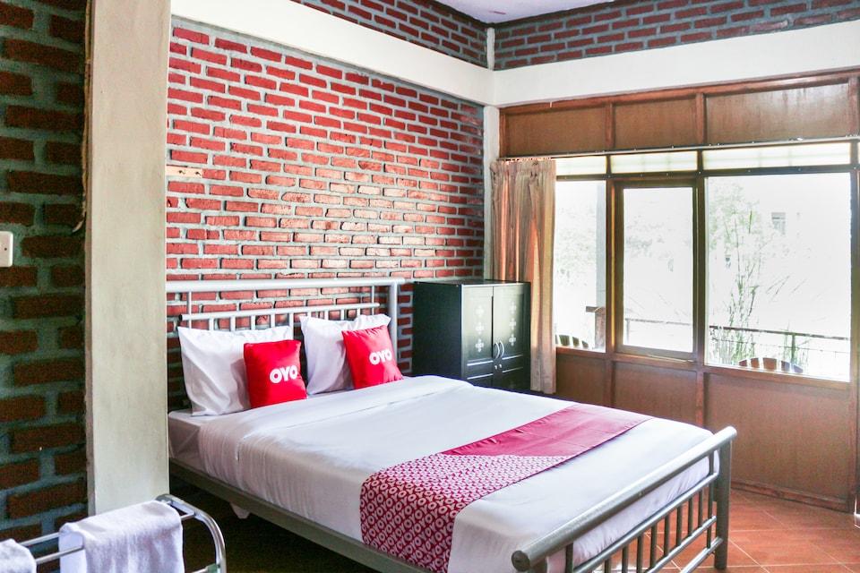 OYO 1722 Villa Ciparay Indah