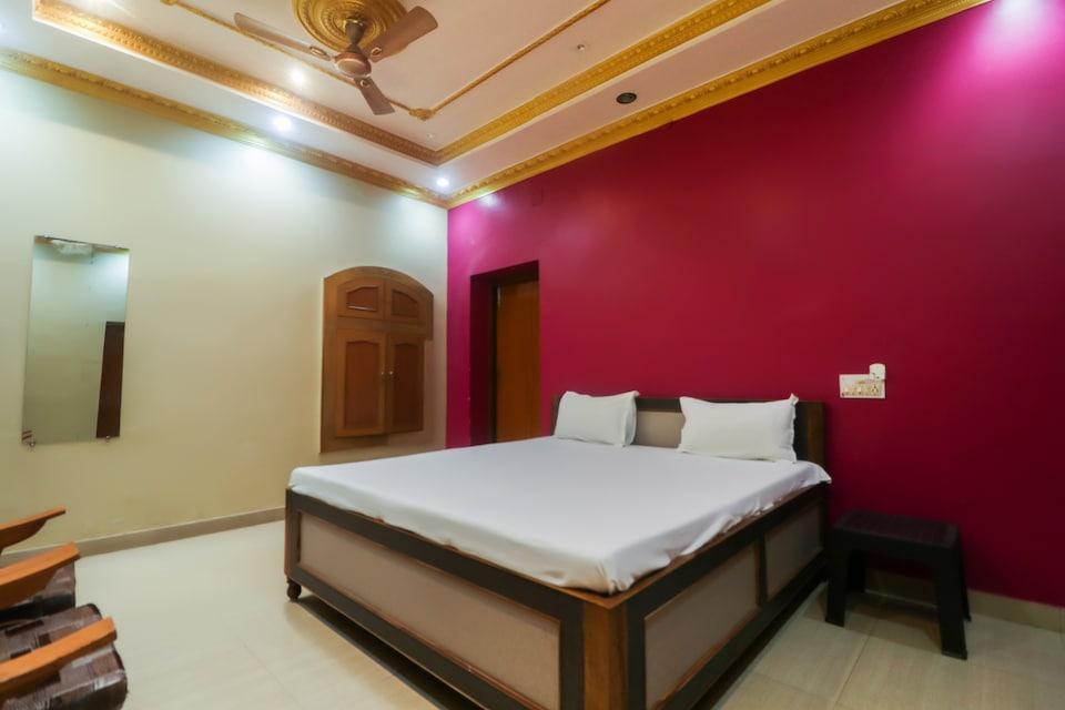 SPOT ON 61989 Hotel Swayamvar Palace