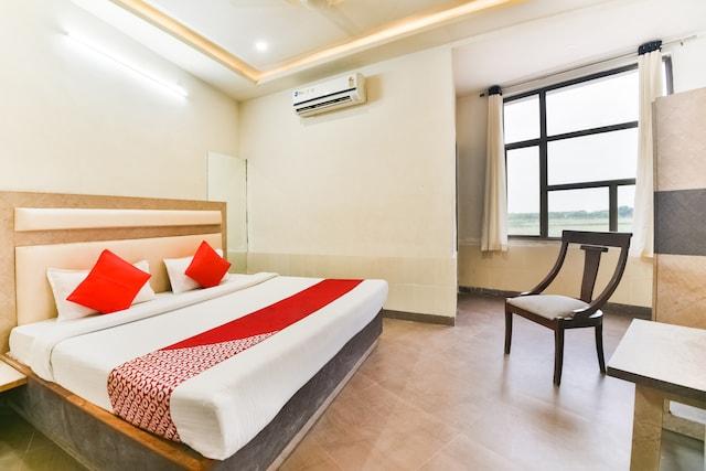 OYO 61996 Hotel Mewar King