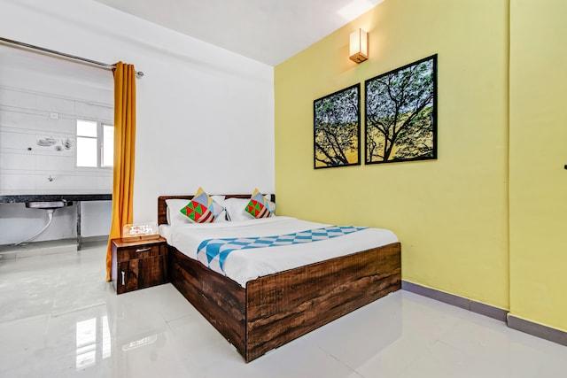 OYO Home 61999 Peaceful 1Rk SP InfoCity