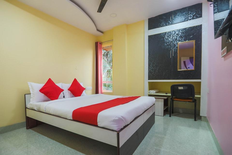 OYO 62042 Niloy Guest House, Santoshpur Kolkata, Kolkata