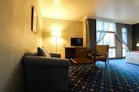 OYO 328 City Plaza Hotel