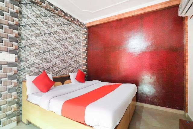 OYO 62098 Aryan Hotel And Resort Deluxe