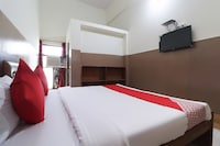 OYO 62108 Parinay Guest House