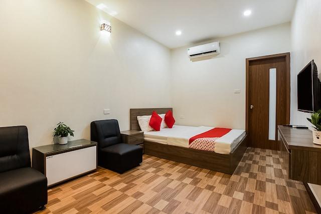 OYO 416 Giao Thông Hotel